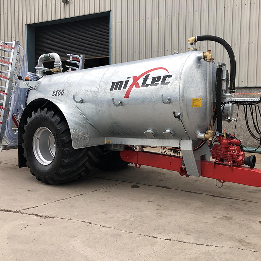 2800 Gallon Galvanized Vacuum Tanker