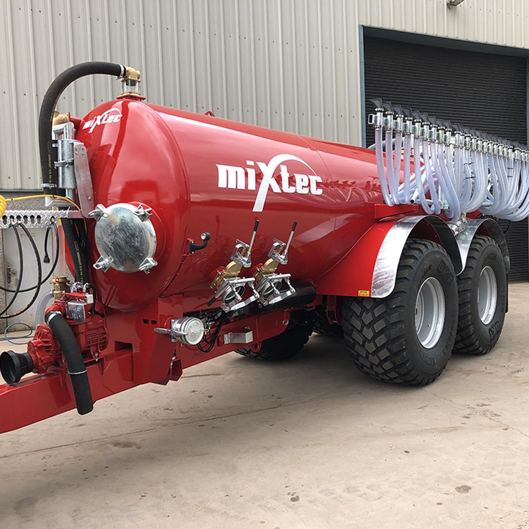 3000 Gallon Vacuum Tanker