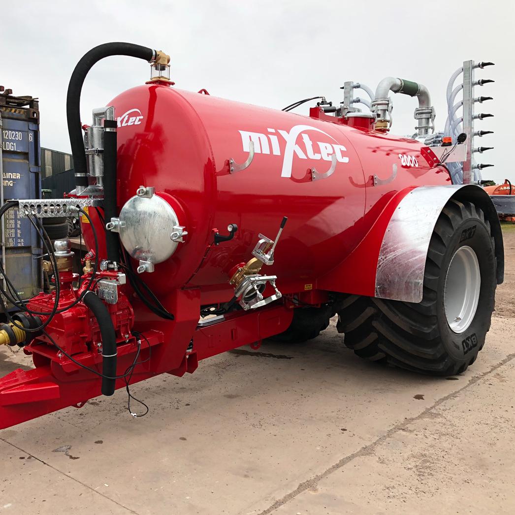 2000 Gallon Vacuum Tanker