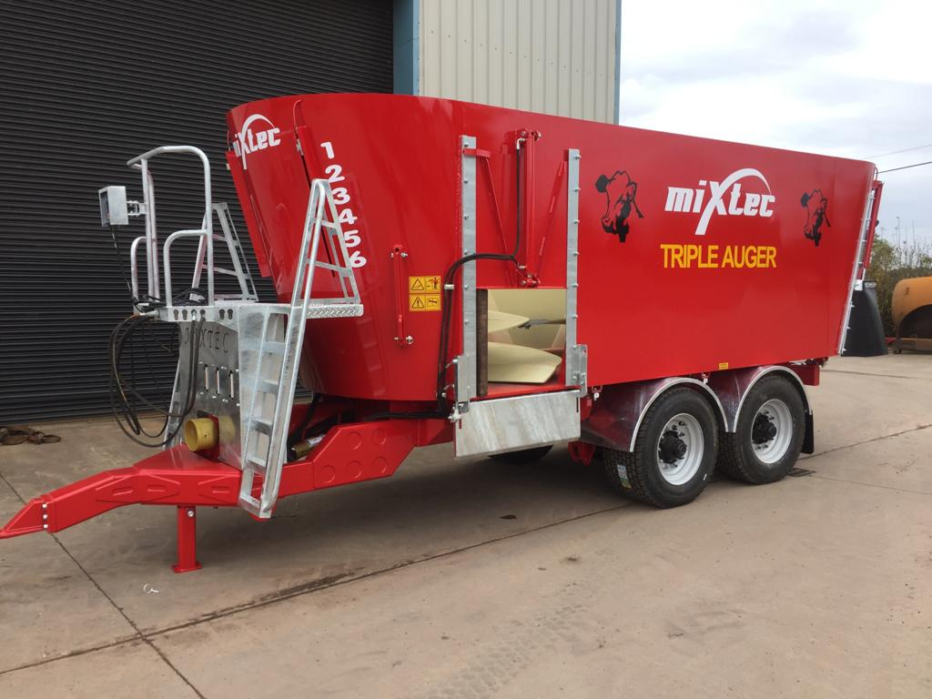 Triple Auger Diet Feeder
