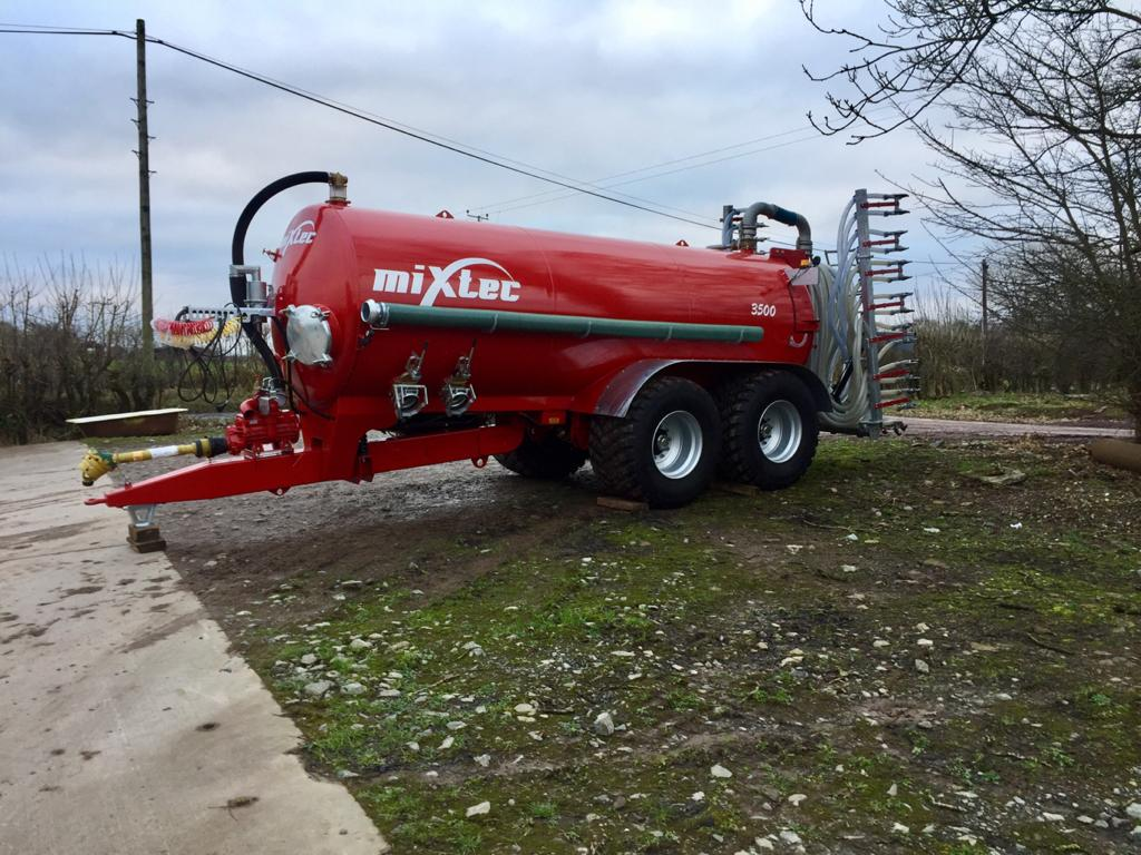 3500 Gallon Vacuum Tanker